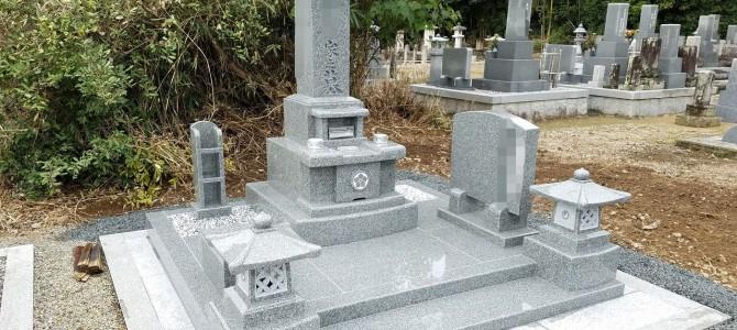 加西市網引町で、「現代墓石」建立