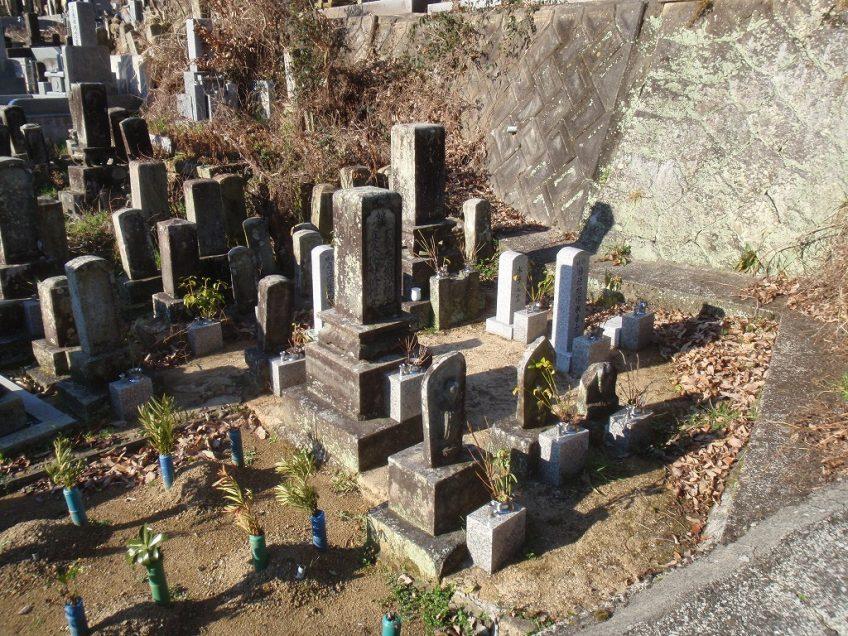 加西市の菊ヶ谷墓地でお墓掃除代行