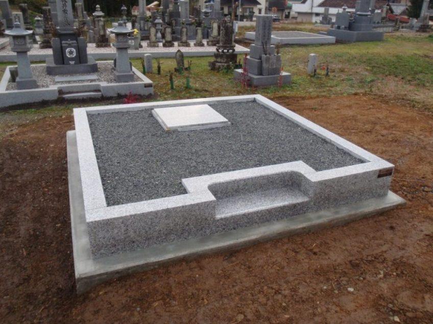 墓地造成・巻石工事をしました
