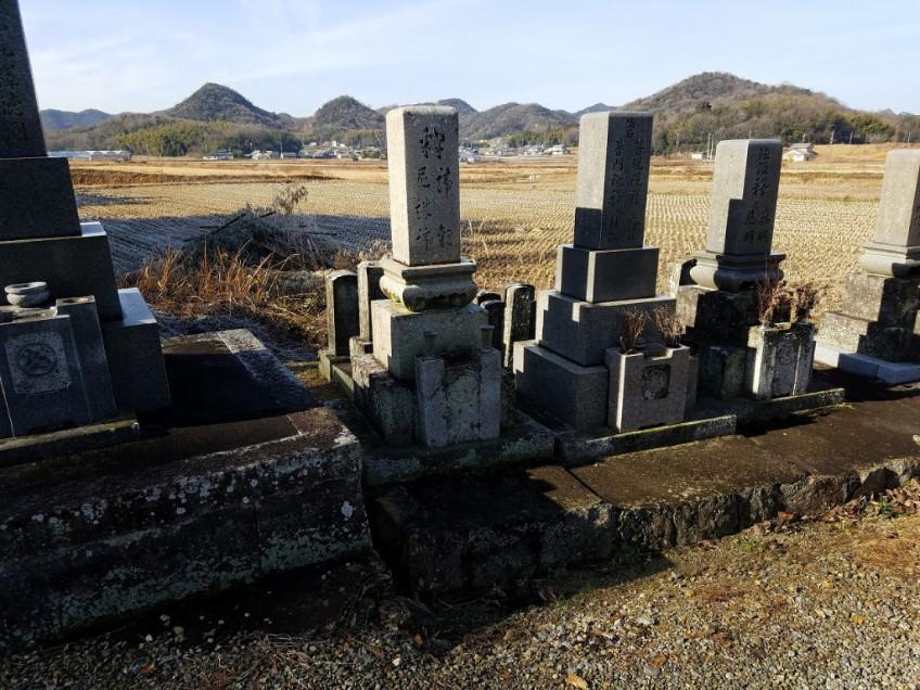 加西市倉谷町で、お墓のリフォーム工事