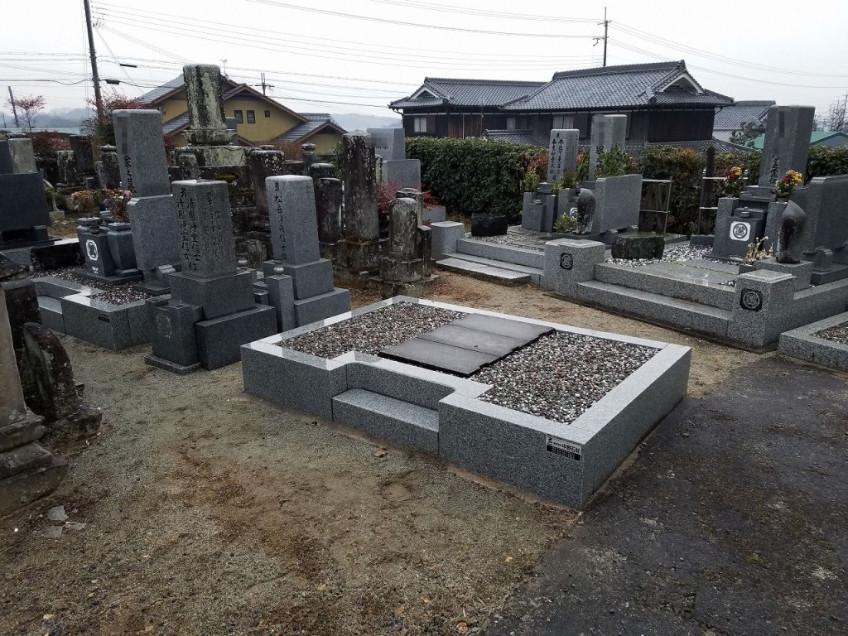 当社オリジナル墓石 お掃除・納骨のしやすい 「現代墓石」 の建立
